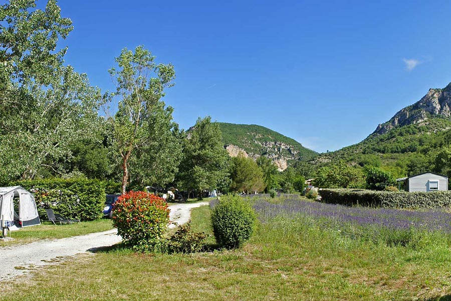 Camping, Locations, Restauration Saint-Ferréol-Trente-Pas