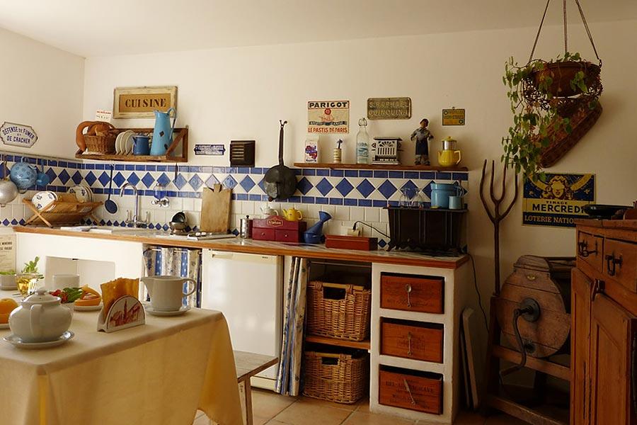 Suite de charme avec cuisine saint marc jaumegarde pays for Aix cuisine de terroir