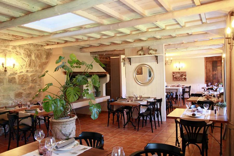 Gites de charme, restaurant Largentière