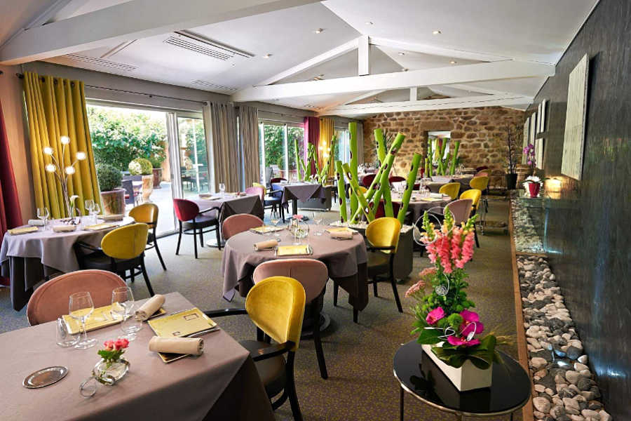 Hôtel-Restaurant Charmes sur Rhônes