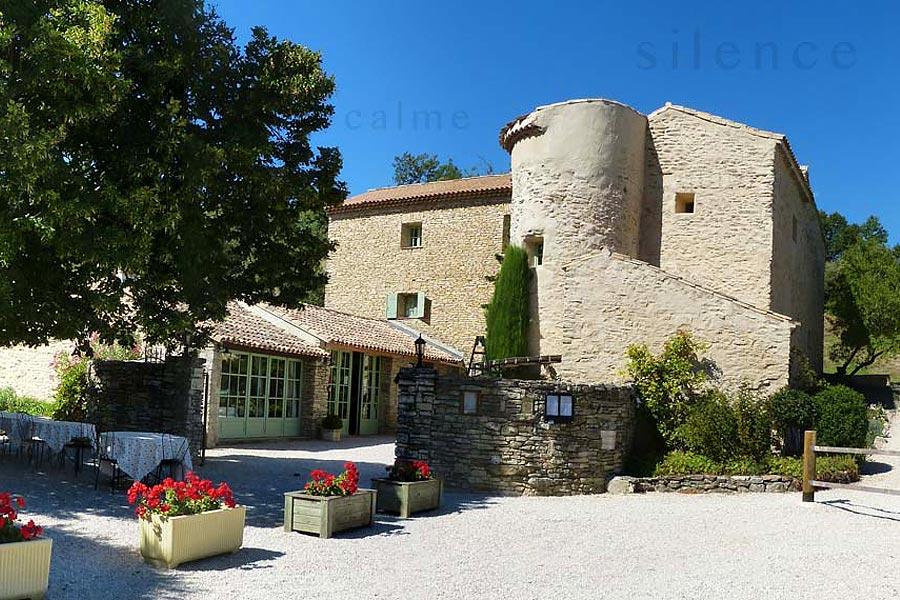 Chambres de charme - Restaurant La Roque sur Pernes