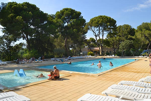 Camping Avignon Parc Camping Mobiles Homes Ved Ne
