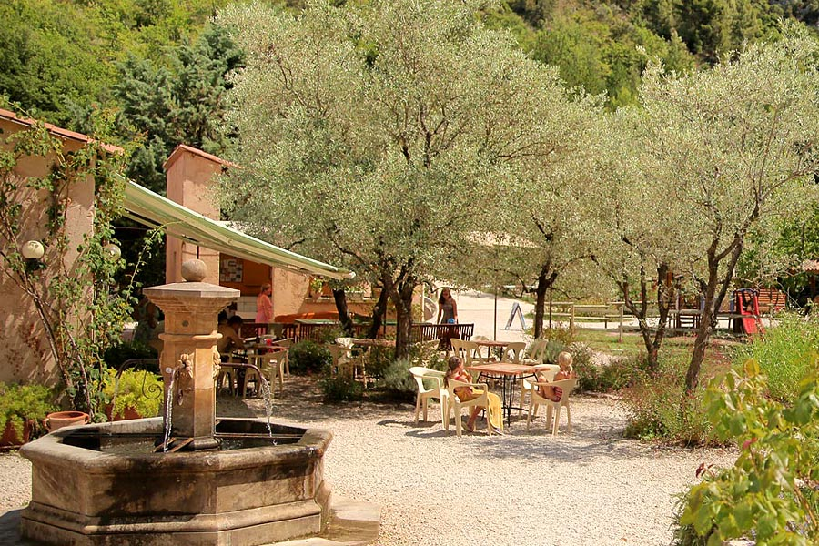 Camping, chalets, mobil-homes, roulotte Buis-les-Baronnies